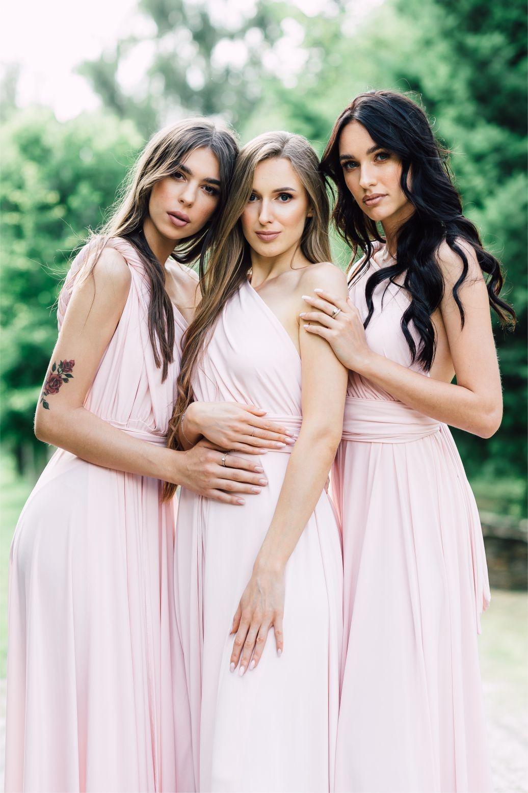 Sukienka multiway pudrowy róż